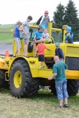 19_Traktortriáda